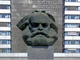 Hotels, Appartements, Hostels, Pensionen - Karl-Marx-Monument